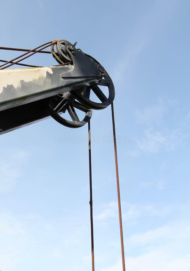 Máquina escavadora velha da carreira no extração de carvão fotografia de stock