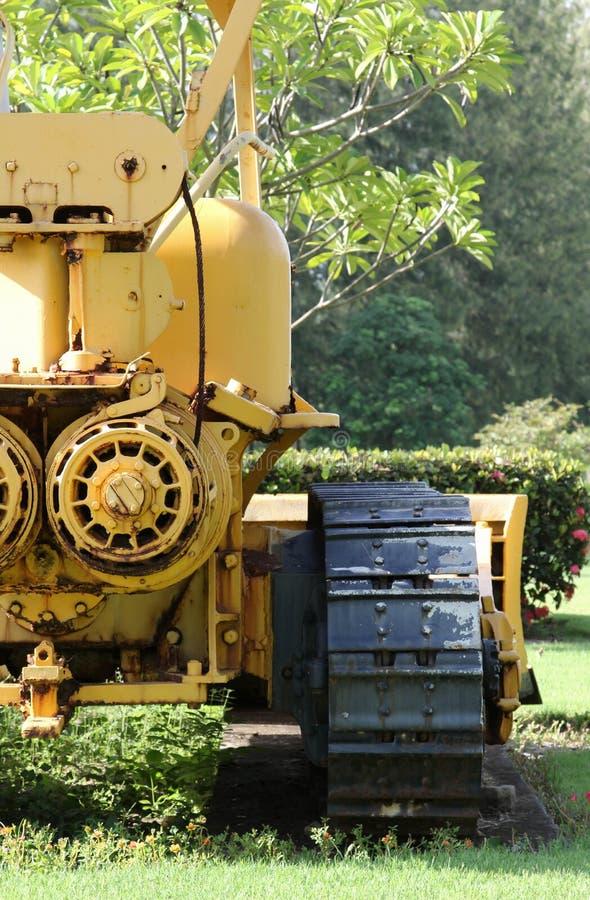 Máquina escavadora velha no extração de carvão fotos de stock