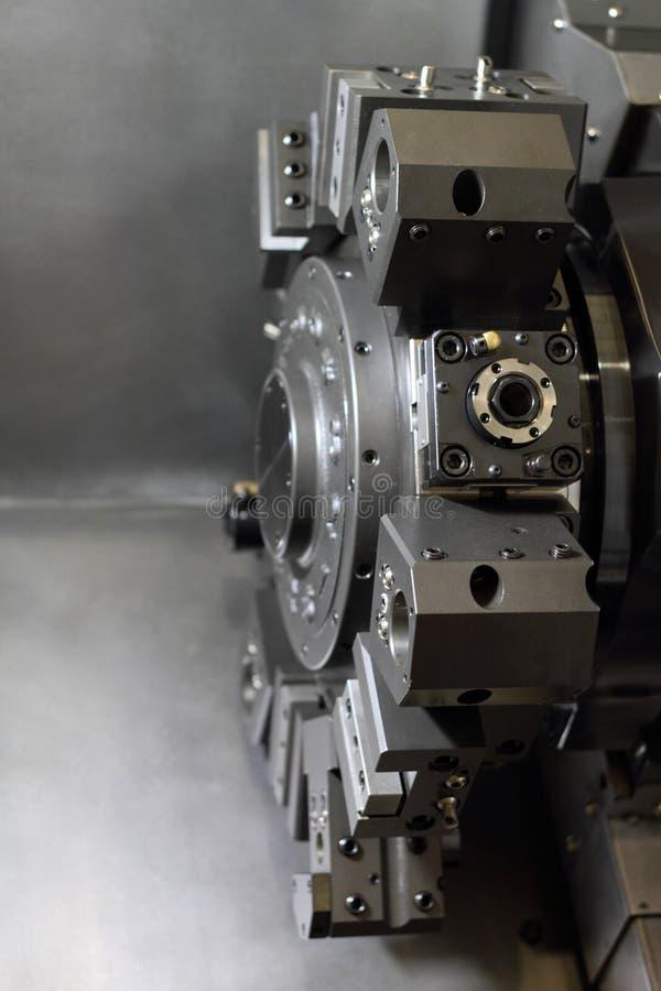 Máquina-herramienta moderna del eje. imagen de archivo