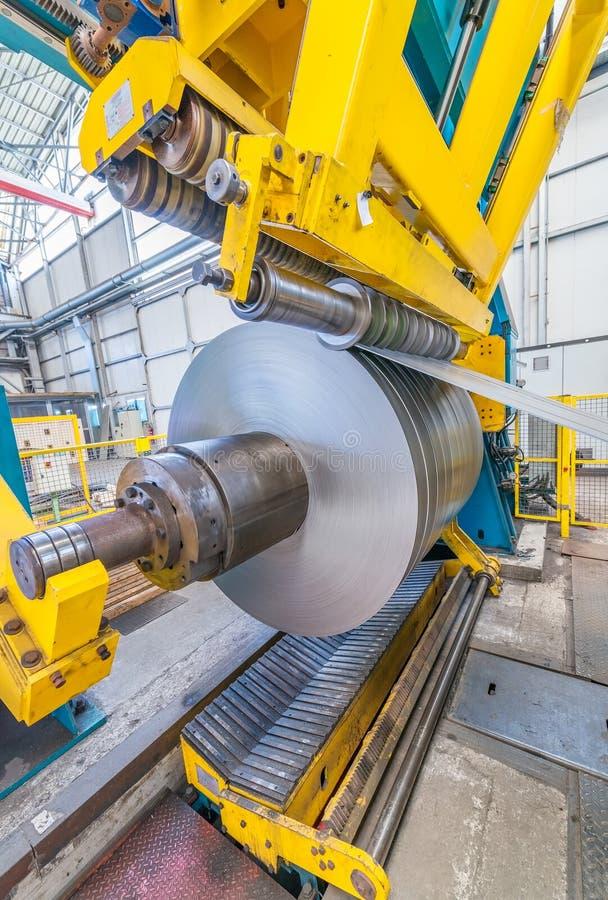 Máquina industrial para o corte de aço fotografia de stock royalty free