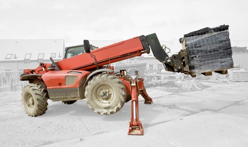 Máquina Industrial Que Levanta - Aislada Fotos de archivo libres de regalías
