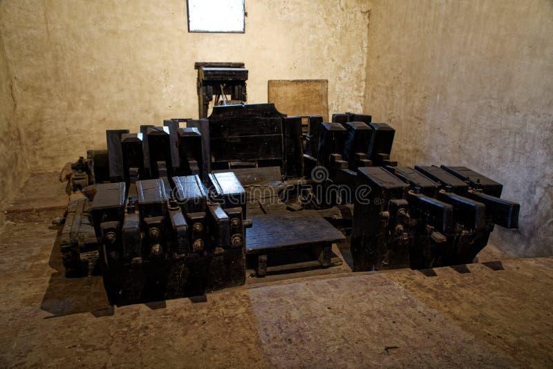 Máquina medieval del fabricante de papel, concepto industrial antiguo foto de archivo libre de regalías