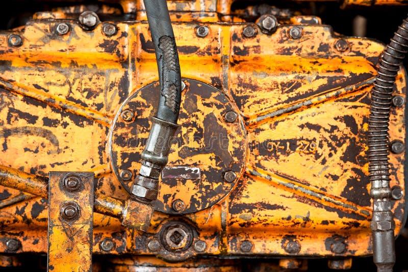 Máquina oxidada amarela velha fotos de stock royalty free