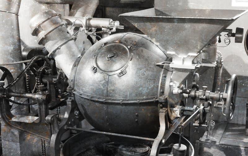 Máquina velha para fazer o café fotografia de stock royalty free