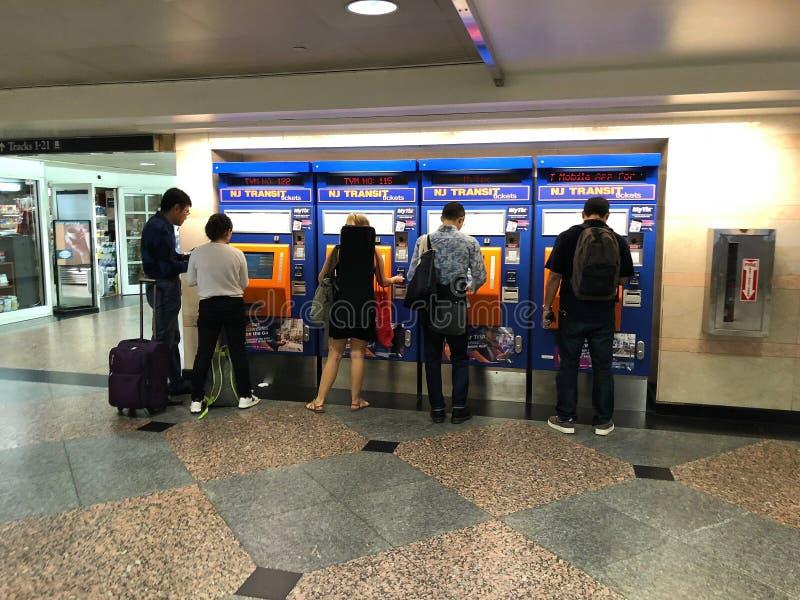 Máquinas de compra del boleto del tránsito de New Jersey fotos de archivo