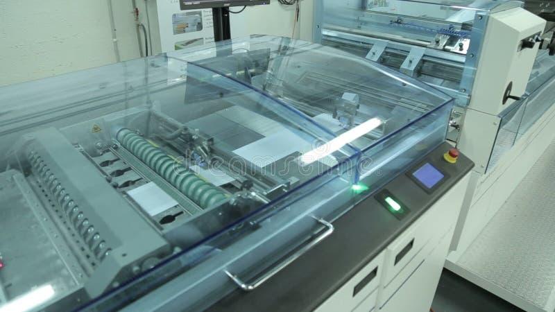 dce84c2bb7c Máquinas De Impressão Digitais Avançadas Filme - Vídeo de máquina ...