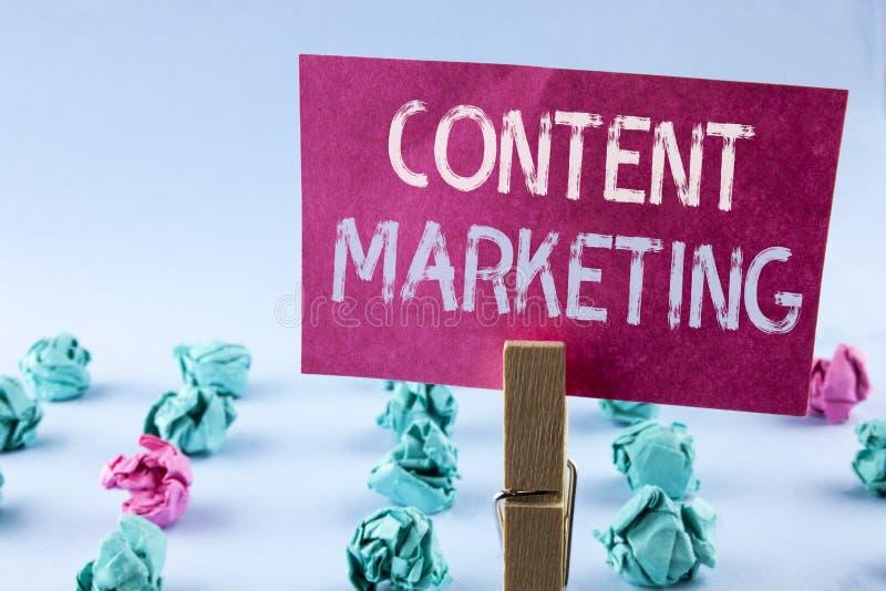 Márketing del contenido del texto de la escritura de la palabra Concepto del negocio para la distribución de ficheros de la estra fotografía de archivo libre de regalías