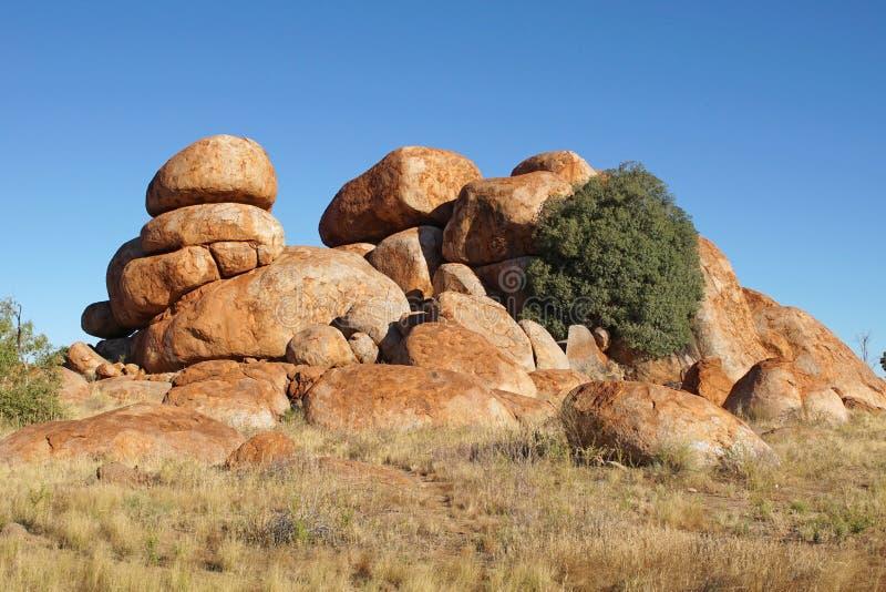 Mármoles de los diablos, Territorio del Norte, Australia fotos de archivo