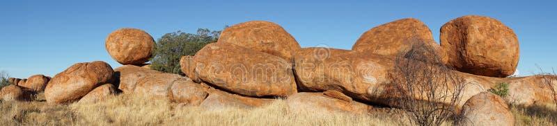 Mármoles de los diablos, Territorio del Norte, Australia imagenes de archivo