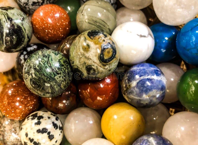 Mármores de pedra brilhantes no volume fotos de stock