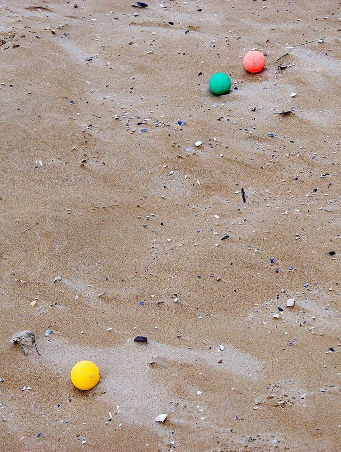 Mármores na praia imagens de stock royalty free