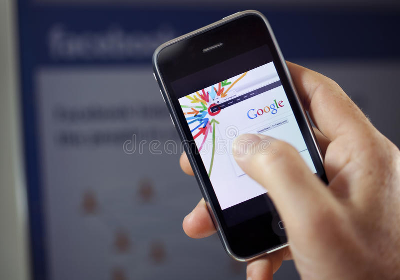 Más de Google contra Facebook imagen de archivo