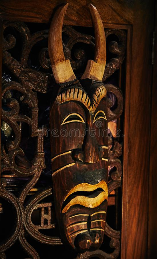 Máscara de madeira do vudu imagem de stock royalty free