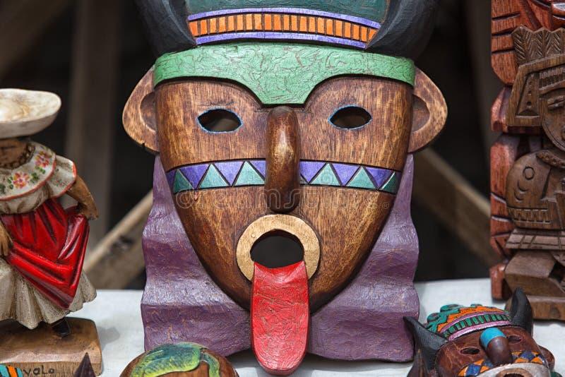 Máscara de madera colorida indígena imágenes de archivo libres de regalías