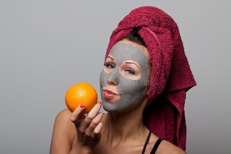 Máscara do facial da argila imagem de stock royalty free
