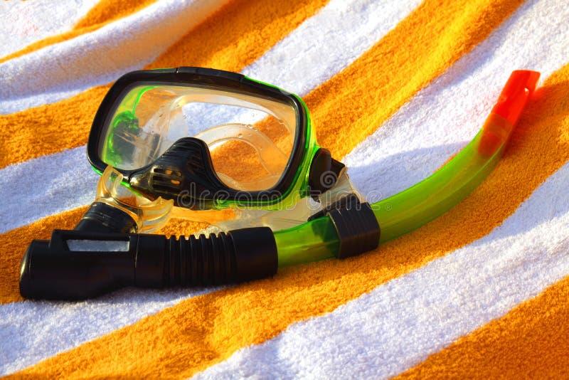 Máscara e câmara de ar para um mergulho autónomo imagens de stock royalty free