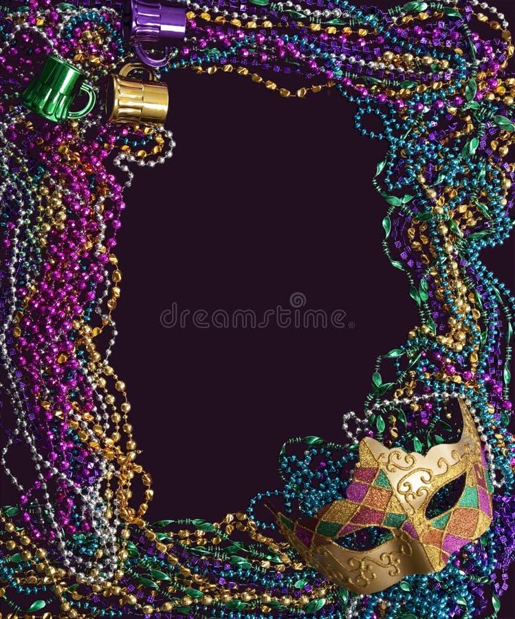 Máscara e grânulos do carnaval fotografia de stock royalty free