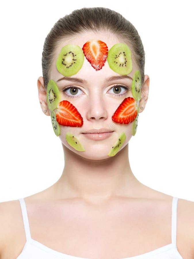 Máscara facial da fruta da morango e do quivi fotografia de stock