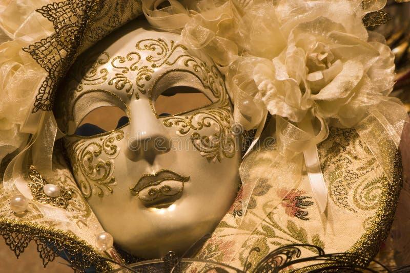 Máscara luxuosa do ouro de Veneza imagem de stock