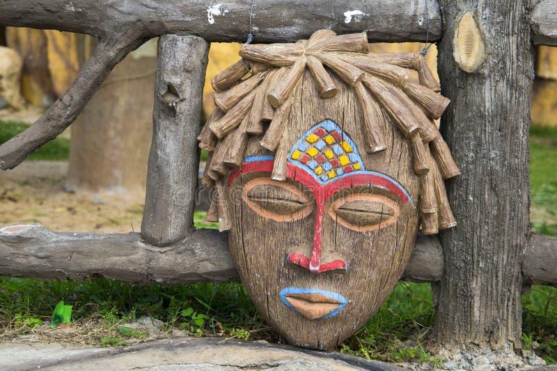 Máscara ritual africana tradicional foto de stock