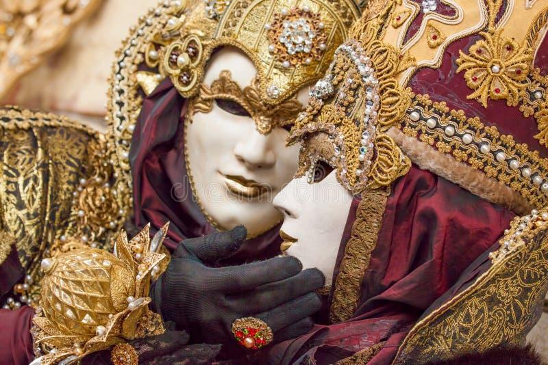 Máscaras bonitas no carnaval em Veneza, Itália imagem de stock