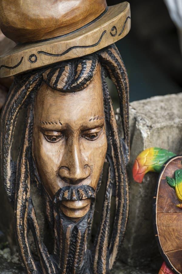 Máscaras De Madera Talladas De Bob Marley En Jamaica Imagen ...
