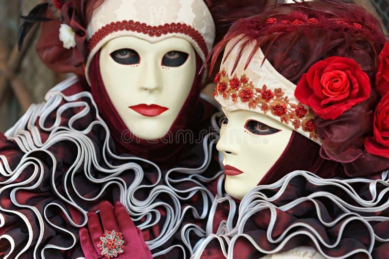 Máscaras de Veneza, carnaval. Foco na máscara direita. fotos de stock royalty free
