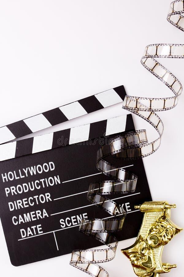Máscaras, tostadores de palomitas de maíz del partido y películas de teatro para el cine foto de archivo