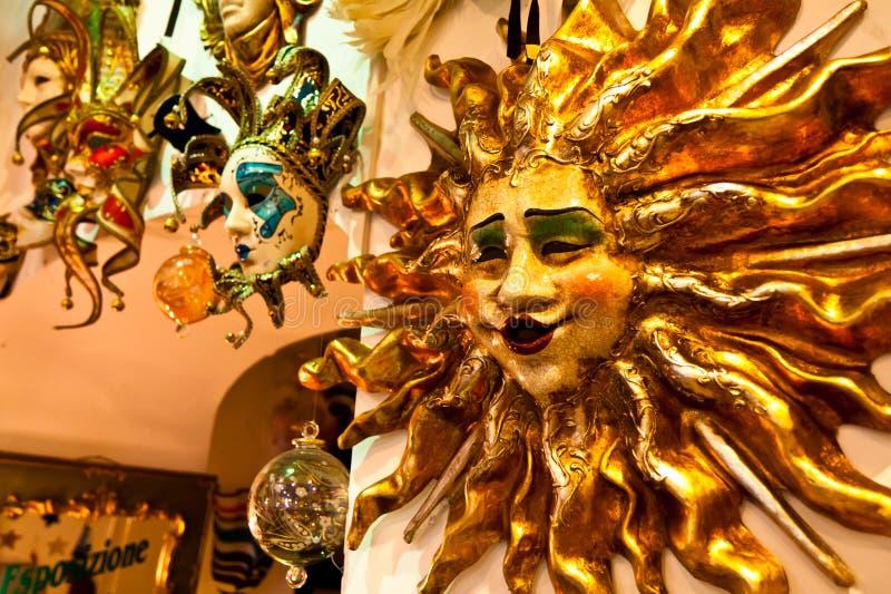 Máscaras venecianas en venta foto de archivo libre de regalías