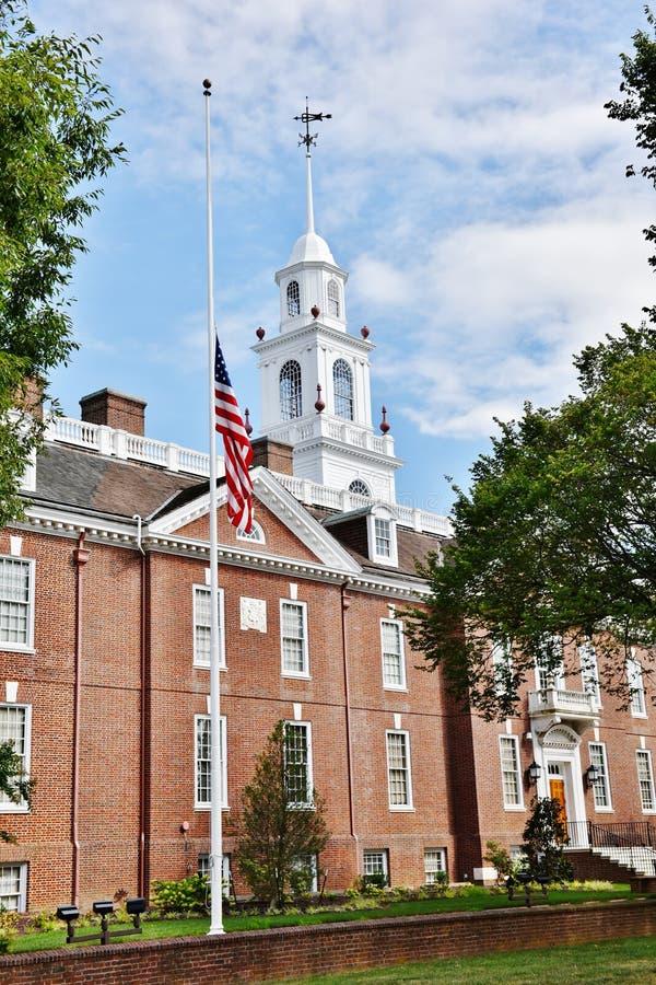 Mât de hall législatif d'état de Douvres Delaware demi photographie stock libre de droits