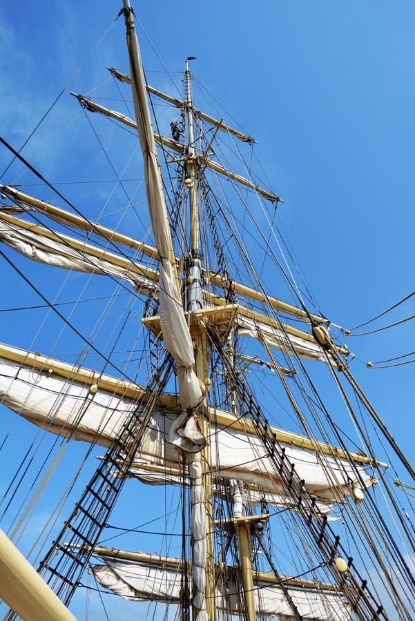 Mâts de bateau de navigation photo stock