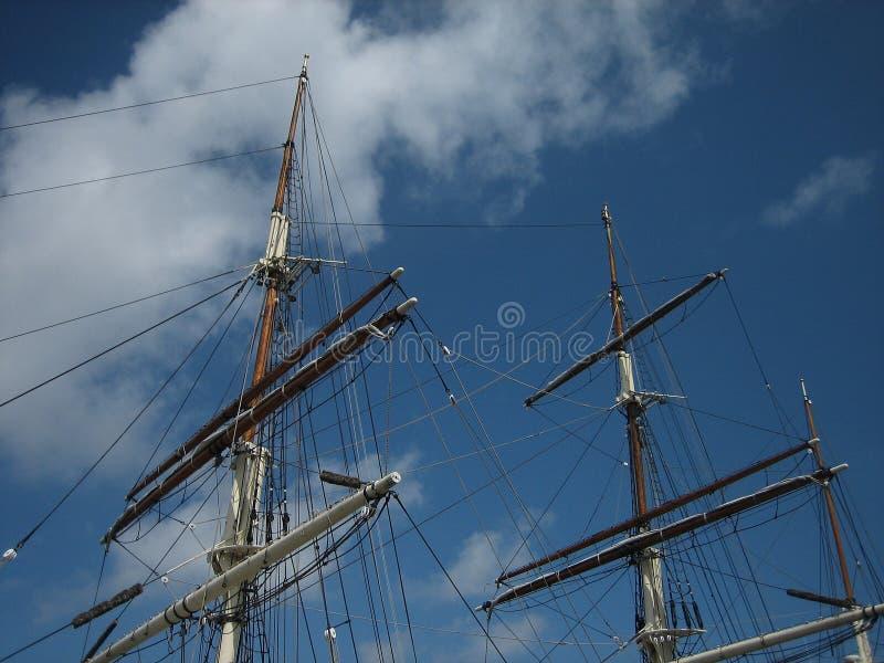 Mâts grands de bateau photos libres de droits