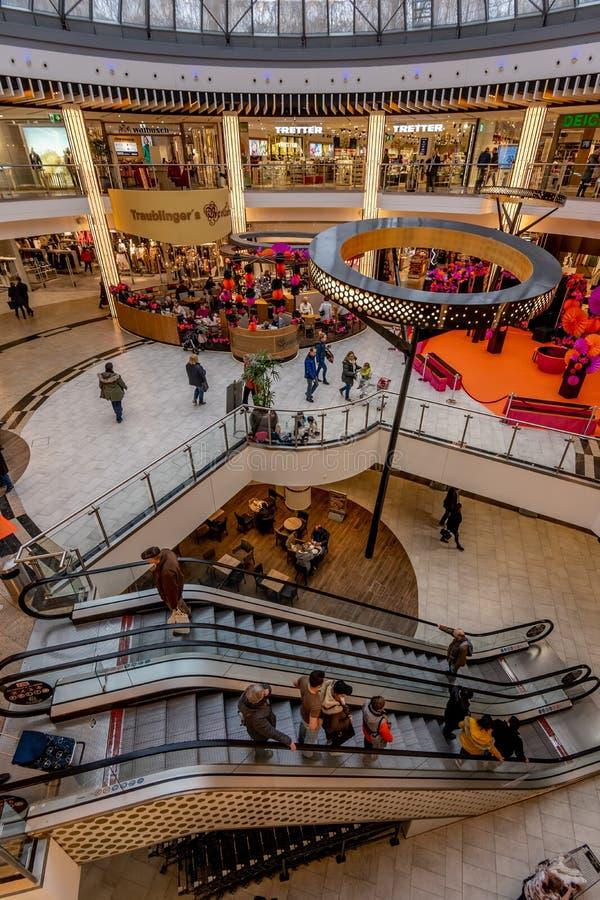 MÃ-¼ nchen, Tyskland, fördärvar 2019 - pipköpcentret royaltyfri bild