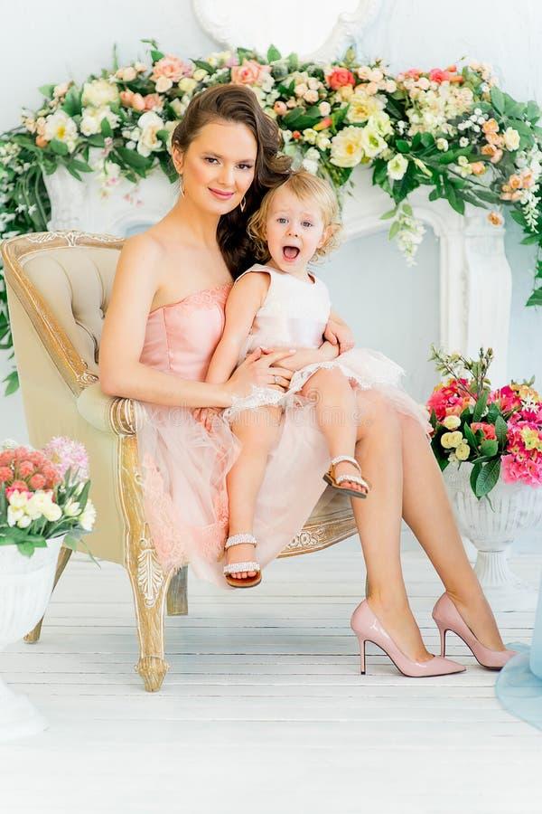 Mãe com filha imagem de stock royalty free