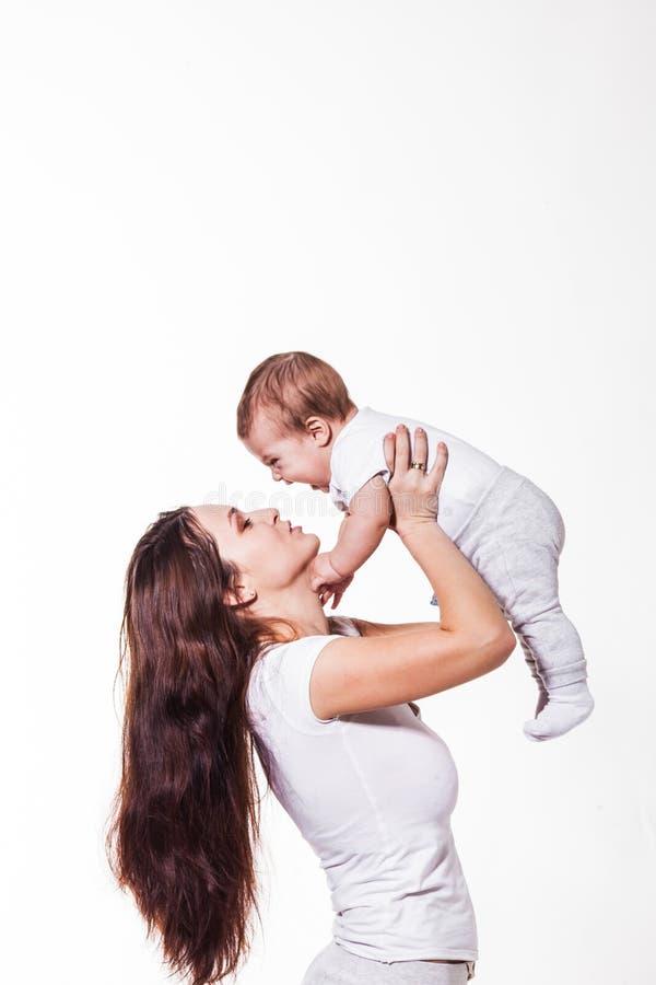 Mãe e bebê adoráveis foto de stock