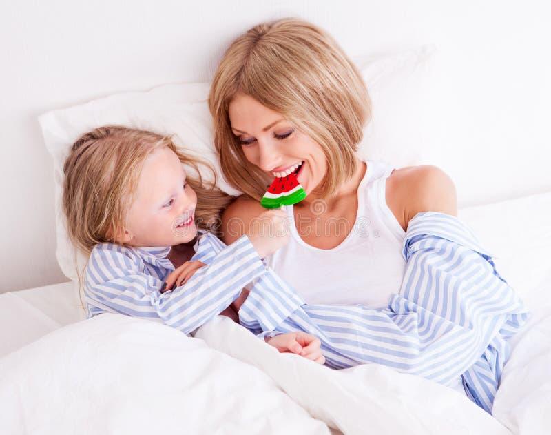 Mãe e filha fotos de stock
