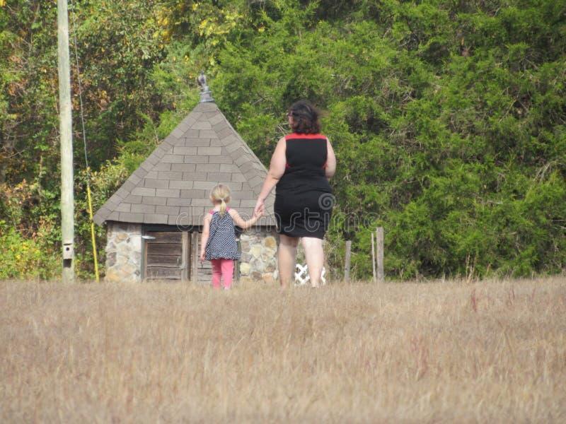 Mãe e filha fotografia de stock