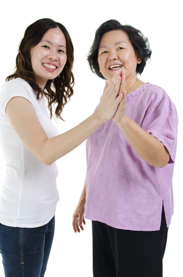 Mãe e filha cinco altos imagem de stock royalty free