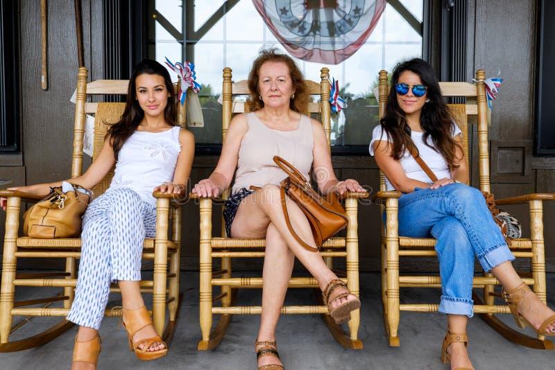 Mãe e filhas fotografia de stock royalty free