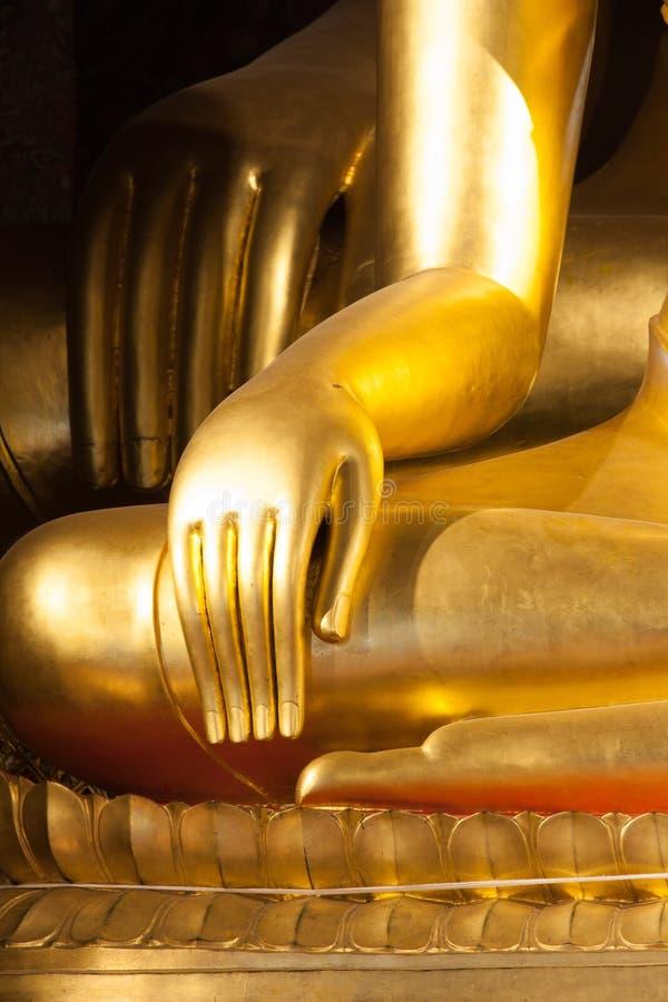 Mão budista da estátua imagens de stock