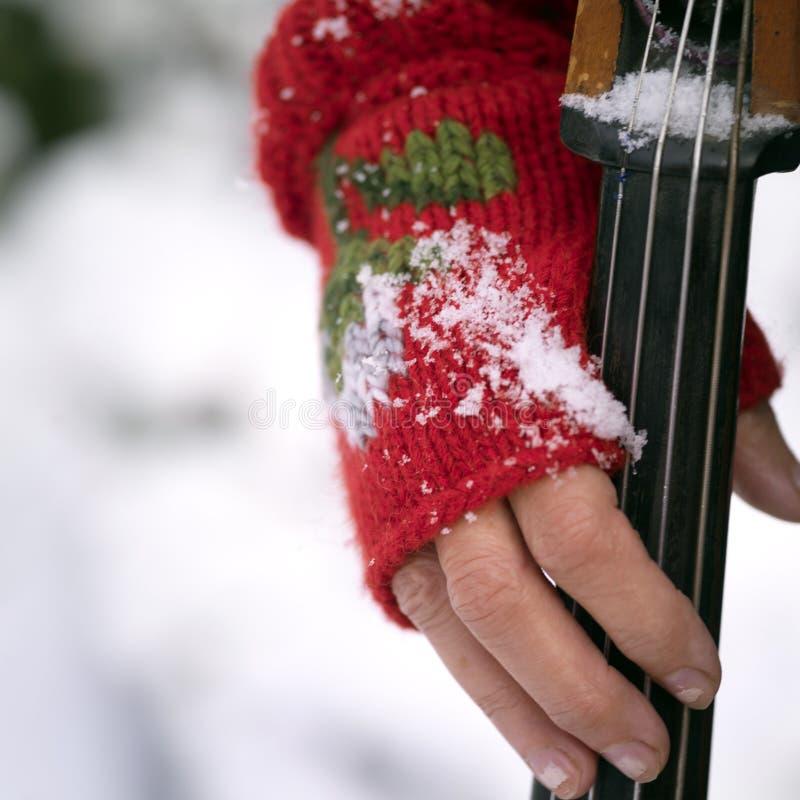 Mão com violoncelo fotos de stock royalty free