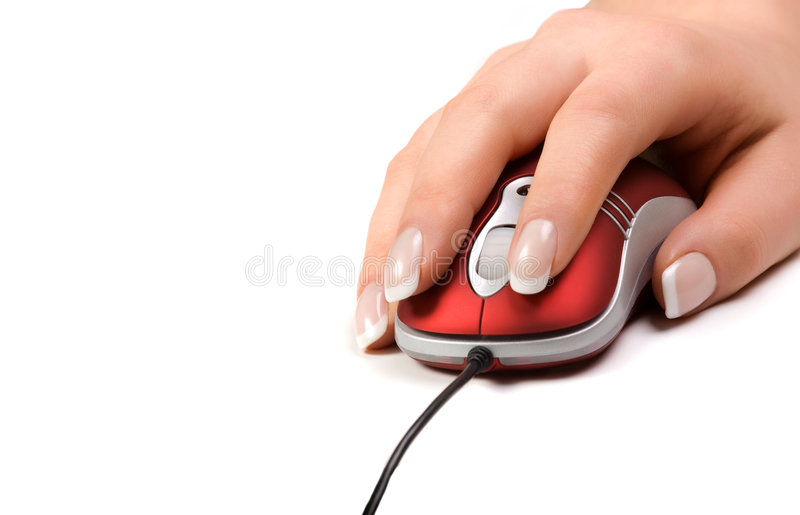 Mão da mulher em um rato vermelho fotos de stock