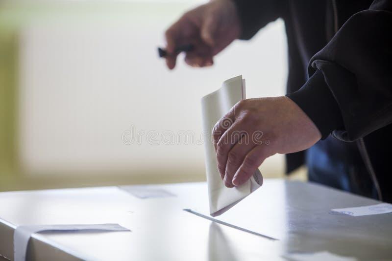 Mão de votação imagem de stock royalty free