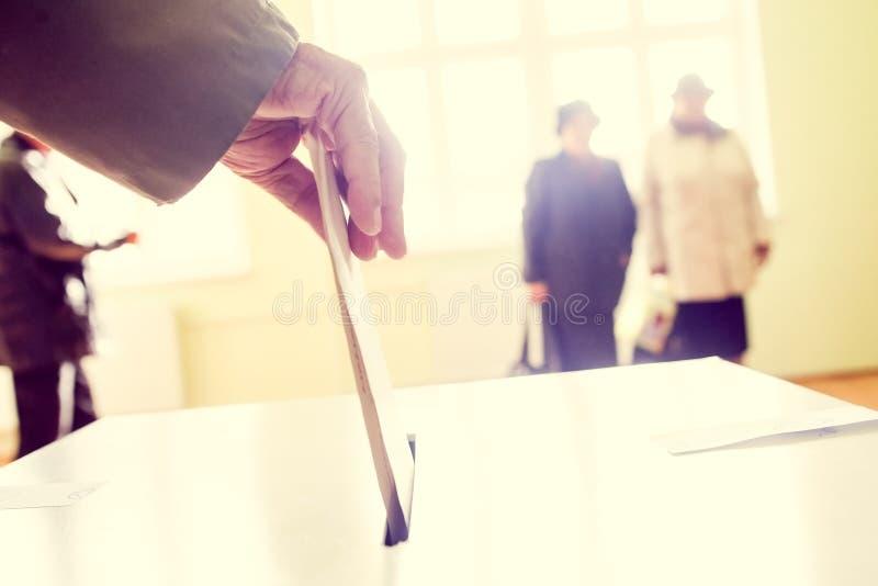Mão de votação imagens de stock royalty free