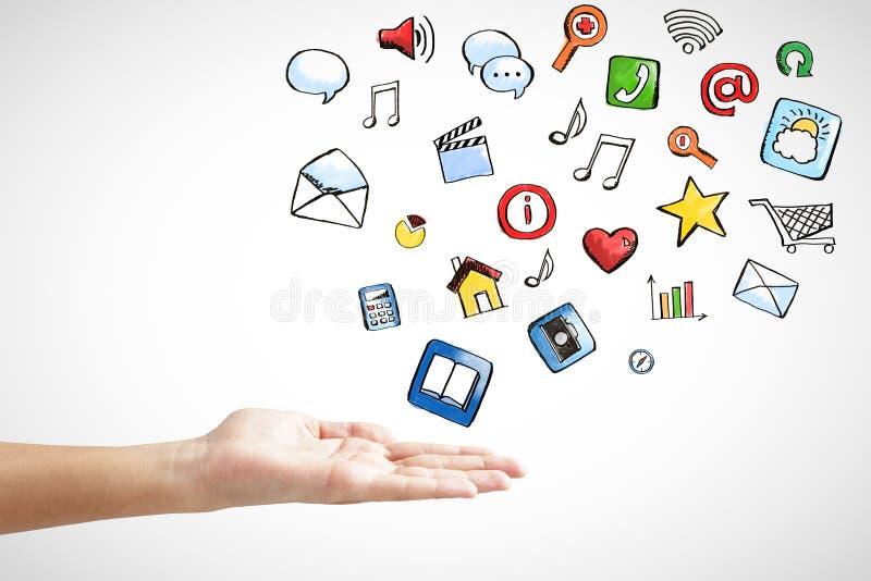 Mão do homem com conceito social dos ícones dos meios fotos de stock