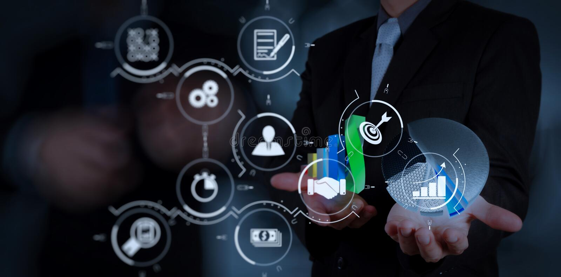 Mão do homem de negócios que trabalha com o computador moderno novo e o negócio s imagem de stock royalty free