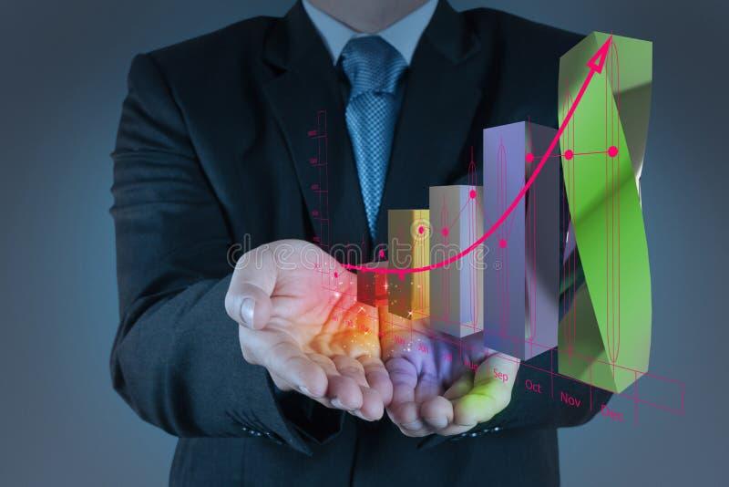 Mão do homem de negócios que trabalha com o computador moderno novo e o negócio s foto de stock royalty free