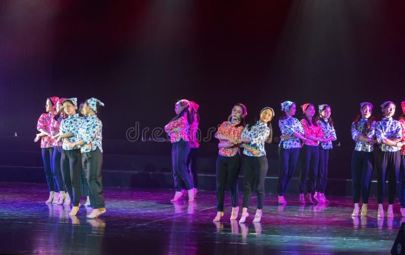 Mão - em - mão - drama lilás da dança imagens de stock royalty free