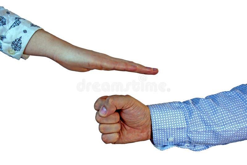 A mão fêmea cobre as tesouras do papel da rocha do jogo do ` s dos homens fotografia de stock royalty free