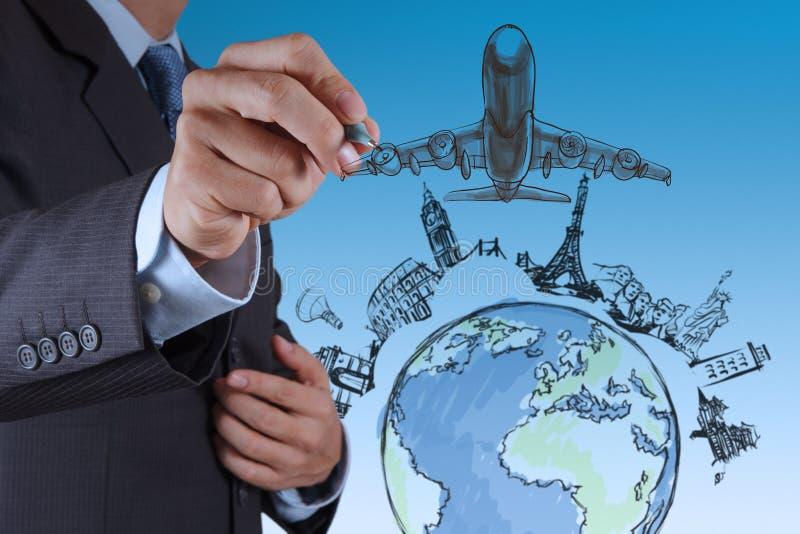 A mão tira o curso do avião em todo o mundo imagem de stock royalty free